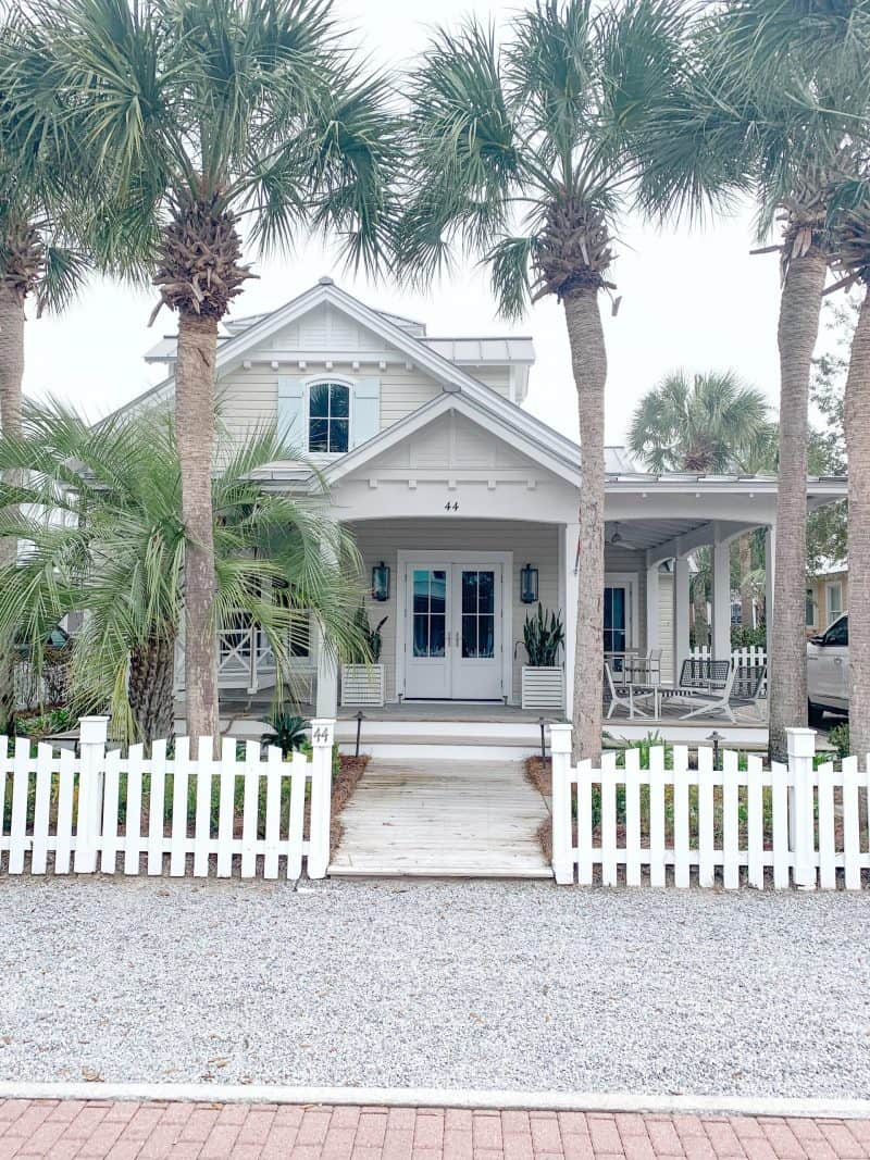 The Ultimate 30A Travel Guide for Families featured by top US travel blog, House of Navy: image of florida home during winter
