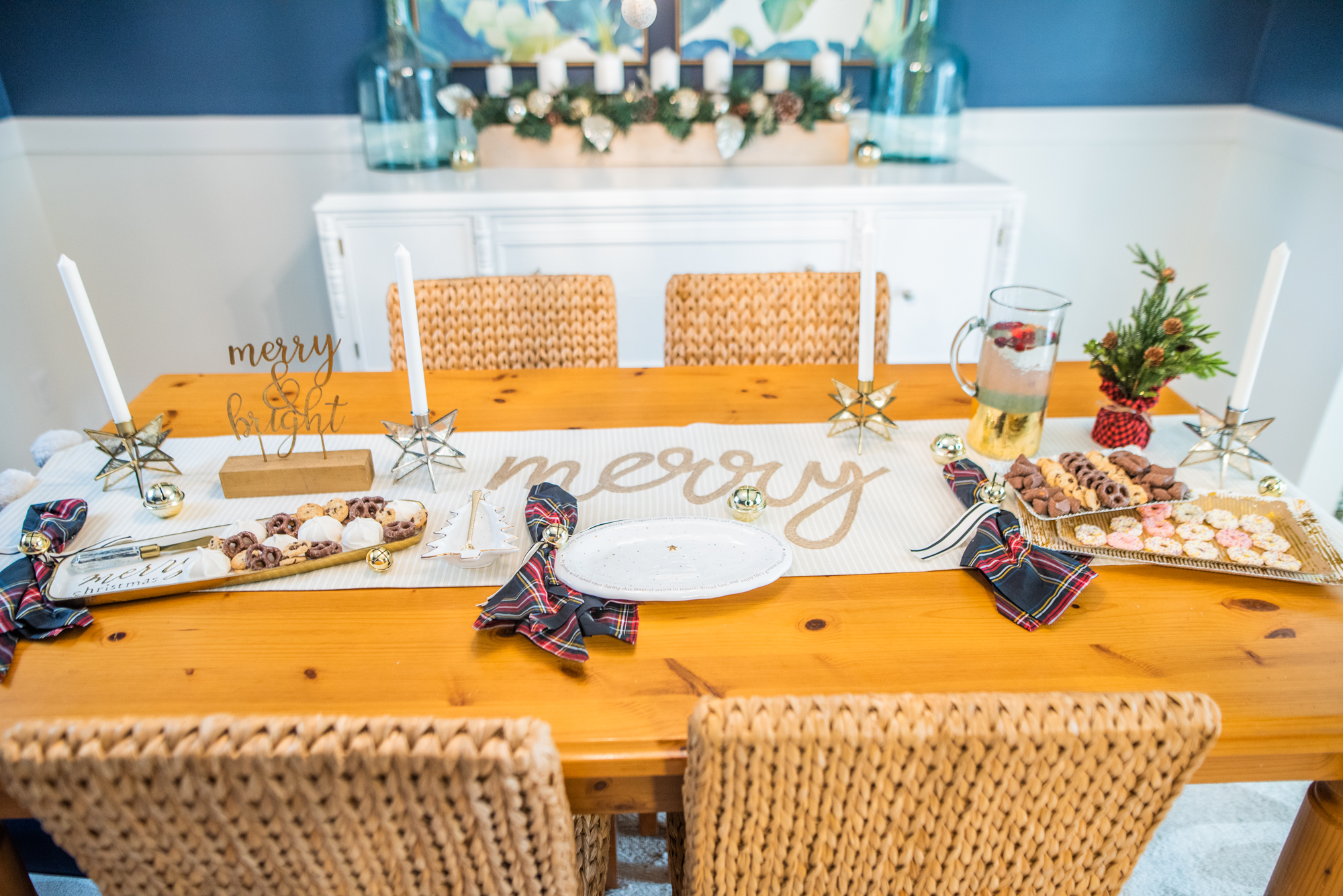 Photo of holiday table for entertaining